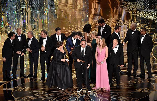 """I produttori de """"Il Caso Spotlight"""" ritirano il premio per il miglior film"""